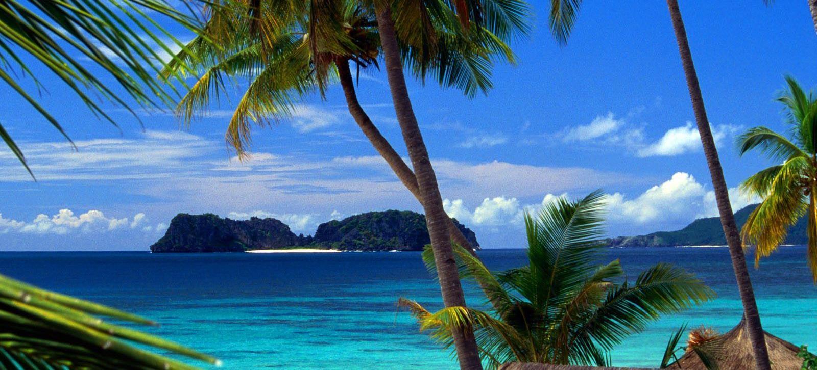Big pangulasian island from el nido palawan philippines