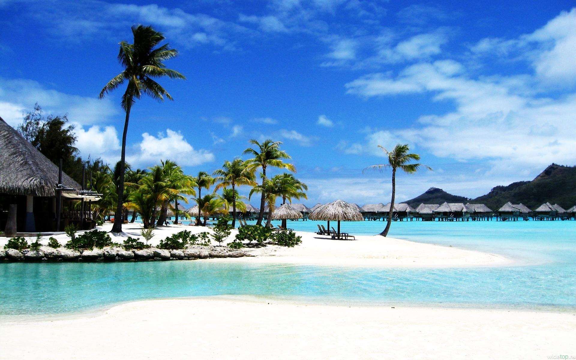 Big world   asia white sand beach on bali 086104
